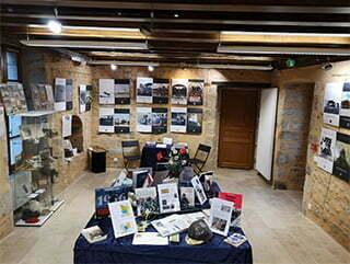 La salle d'exposition de l'Office de tourisme.