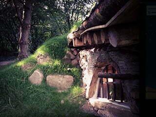 Maison semi-enterrée du domaine de la pierre ronde à Saint-Martin-de-la-mer.