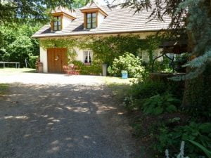 outdoor-photo-relais-de-chasse-in-voudenay